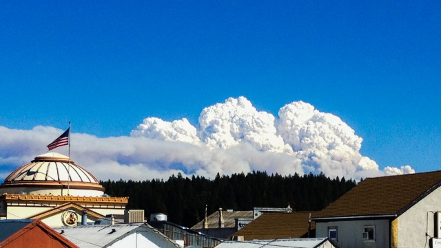 King Fire as seen from downtown Grass Valley