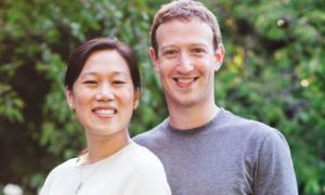 Facebook CEO breaks new ground on his own platform