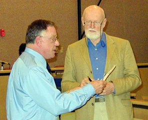 Drew Bedwell swearing in George Rebane as his planning commissioner in 2003 (Photo: YubaNet)